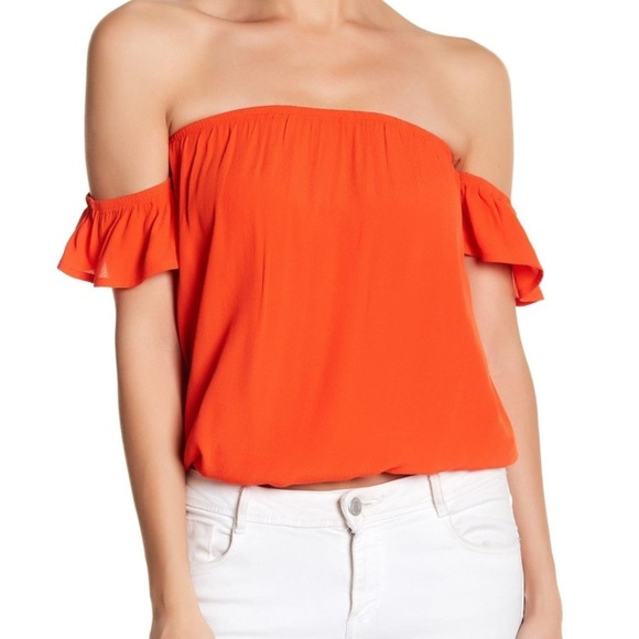 62b706043f06a 3  15NWT Elodie Orange Women s off-shoulder blouse